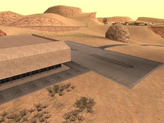 Archivo:Edificio del desierto desde otro ángulo.jpg