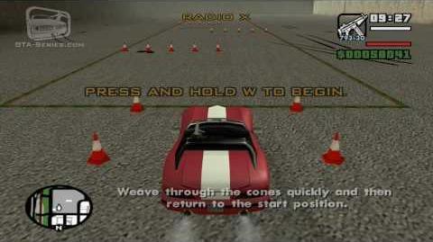 Autoescuela de coches - Esquiva los conos