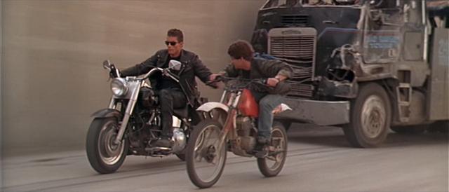 Archivo:Cambio de moto.png