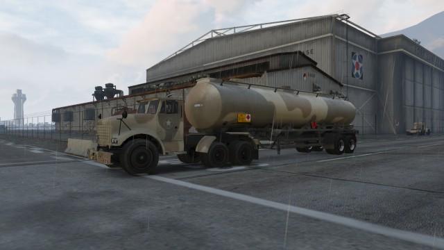 Archivo:BarracksSemiRemolque.jpg