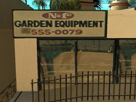 Archivo:Garden Equipment.jpg