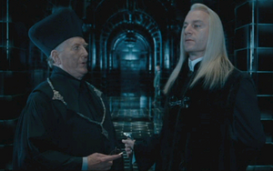 Fudge y Lucius en el Ministerio.png