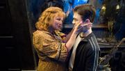Molly saludando a Harry