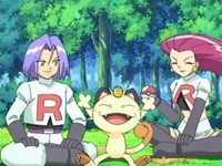 Archivo:EP549 Team Rocket celebrando su captura.png