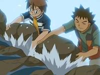 Archivo:EP542 Brock y Austin poniendo rocas para frenar el escape de agua.png