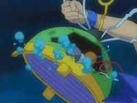 EP527 Alan quitando el casco a Probopass