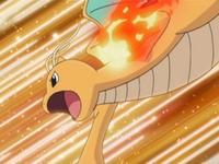 EP587 Dragonite usando puño fuego