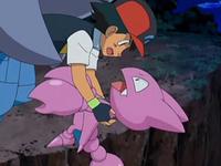 Archivo:EP554 Ash soltando a Gligar.png