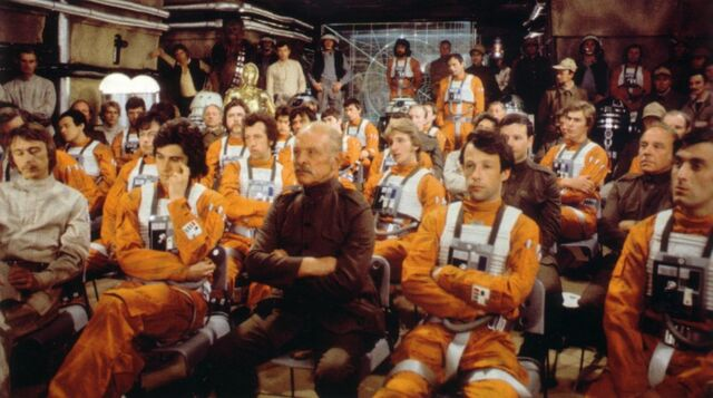 Archivo:Yavin base briefing room.jpg