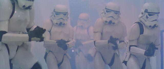 Archivo:Stormtroopers.jpg
