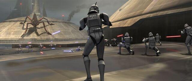 Archivo:CloneTroopersDefendKamino-AT.jpg