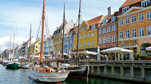 File:Copenahen canal.jpg