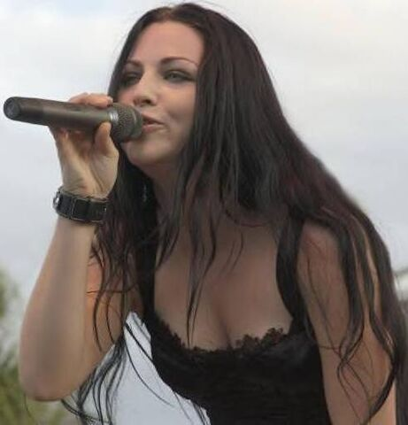 File:Amy Lee Evanescence Picture 8.jpg