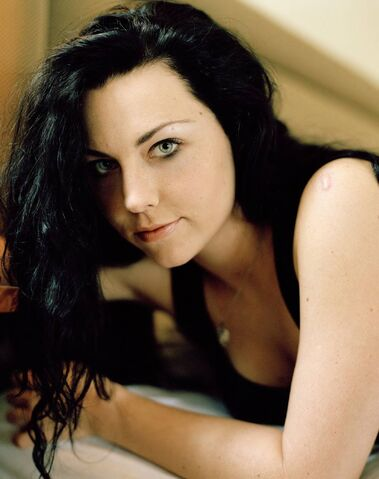 File:Amy Lee Evanescence Picture 132.jpg