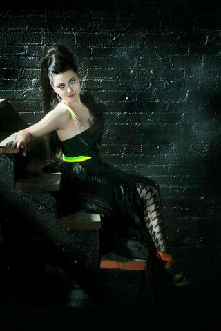 File:Amy promo 2011 Evanescence.jpg