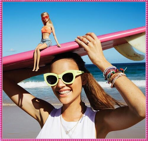 File:Surfing.jpg