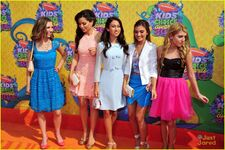 Piper-curda-every-witch-way-cast-kcas-2014-01
