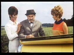 Helga and Pandora with their next victim (Daliah Lavi and Beba Loncar with Maurice Denham)