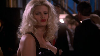 Tanya Peters in Naked Gun 3 (played by Anna Nicole Smith) 331