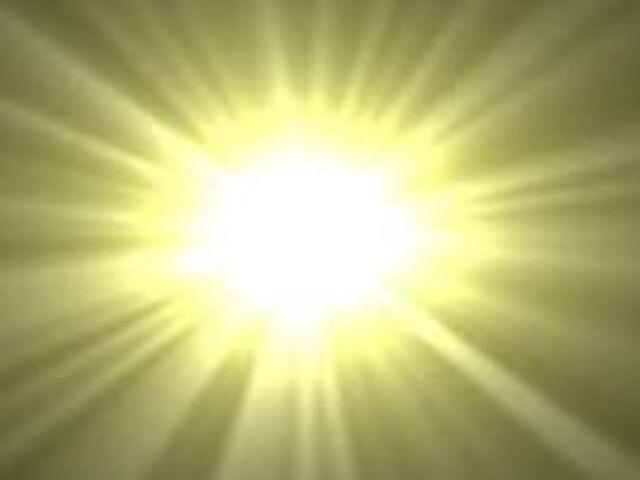 File:YellowLight 1372223.jpg