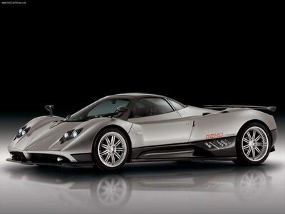 Pagani-Zonda F 2005 800x600 wallpaper 01