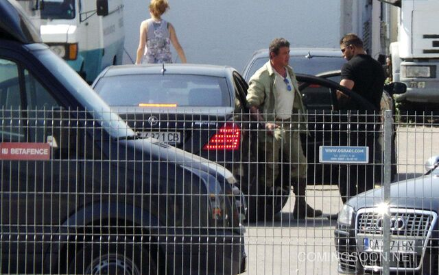 File:Hr The Expendables 3 Set Photos 1.jpg