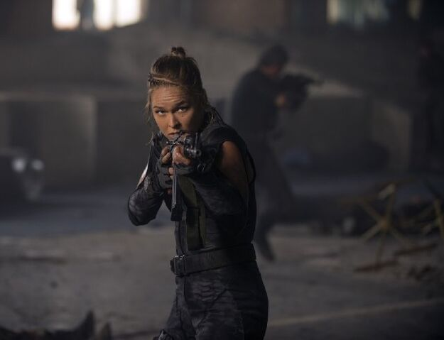 File:EX3- Ronda Rousey as Luna in action.jpg