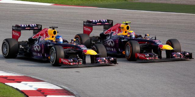 File:Sebastian Vettel overtaking Mark Webber 2013 Malaysia.jpeg