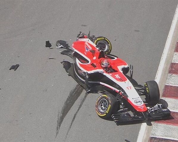 File:Marussia Crash.jpg