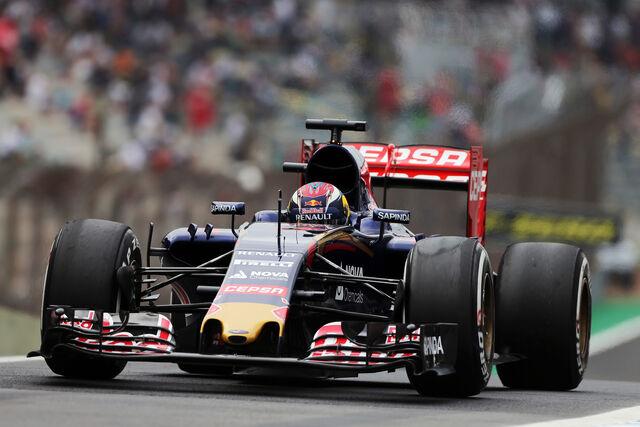 File:Toro Rosso STR10 Brazil.jpg