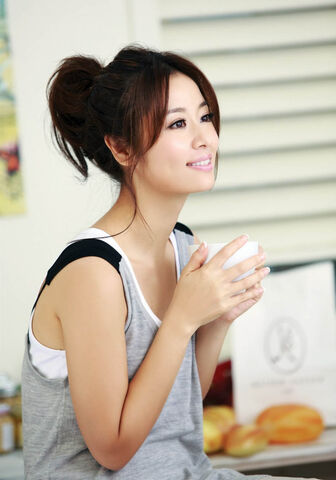 File:Ruby Lin Coffee and Bread.JPG
