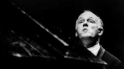 Richter plays Schumann's Fantasy in C