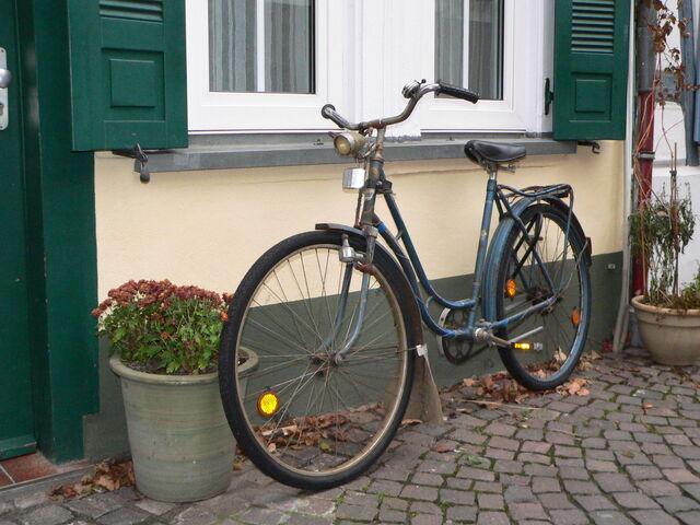 Datei:Tourenrad-Klassiker.jpg