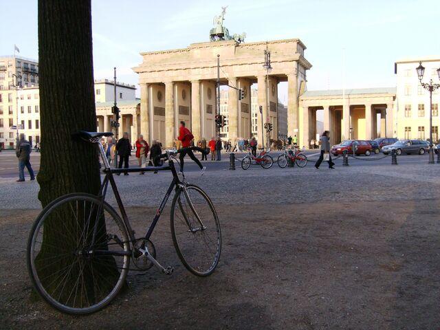 Datei:Brandenburger Tor in Berlin.jpg
