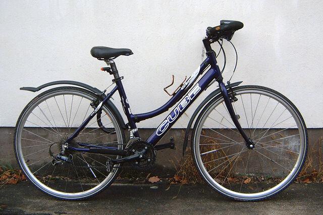 Datei:Cube-fahrrad.jpg