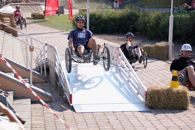 Datei:Spezialradmesse 2007 Trikerennen 1.jpg