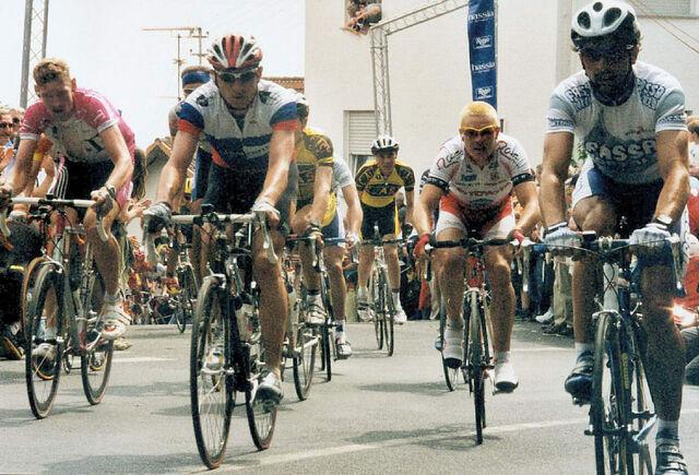 Datei:1 Mai 2000 Henninger Rennen Mammolshainer Berg.jpg
