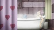 Crocus Apartment Bath