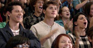 1x01 Liam & Shane