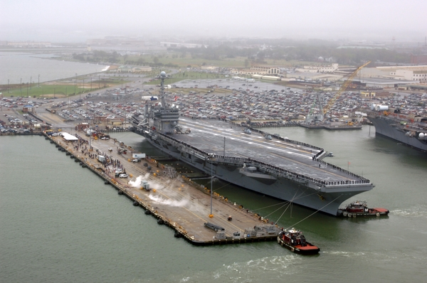 File:Ships navy vehicles aircraft carriers norfolk www.wall321.com 84.jpg