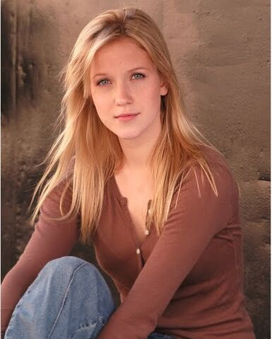 File:Jessy-Schram-photo-001.jpg