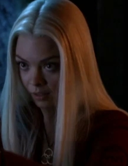 File:Alexis Lexi Space Oddity S5.png