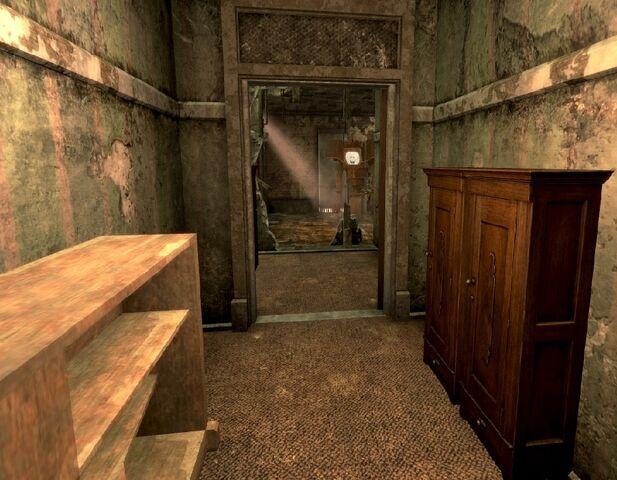 File:The Tops Benny's back door.jpg