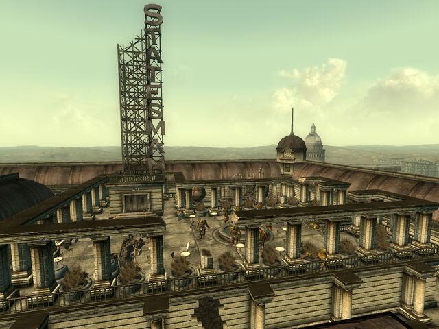 File:Statesman Hotel roof.jpg
