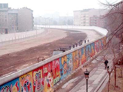 File:Berlinermauer.jpg