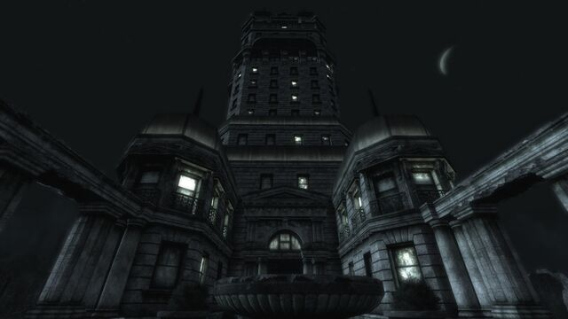 File:Tenpenny Tower at night.jpg