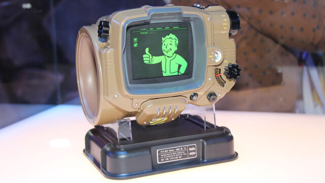 File:Fallout-4-Pip-Boy-Edition.jpg
