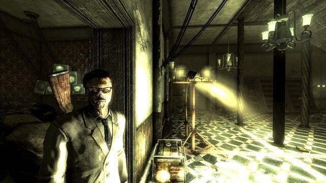 File:Desmond in the Calvert Mansion.jpg