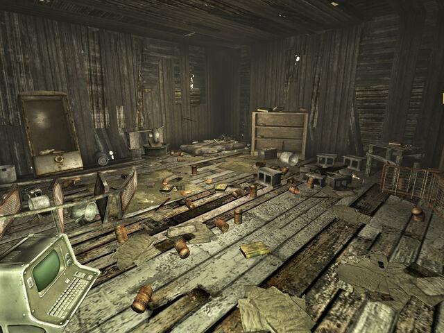 File:Gibsons shack interior.jpg