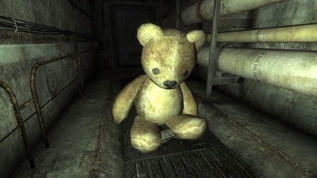 File:GiantTeddyBrighter.jpg